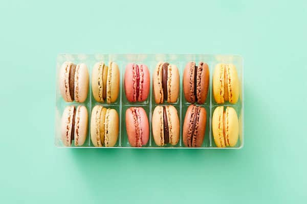 Ready-Made French Macarons dinnerly