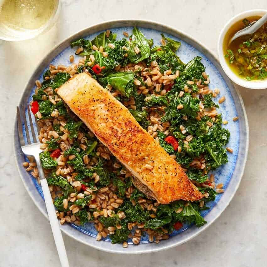 Seared Salmon & Salsa Verde with Farro, Kale & Pickled Peppers blue apron